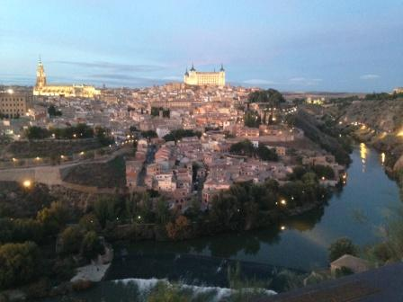 022Toledo_at_night