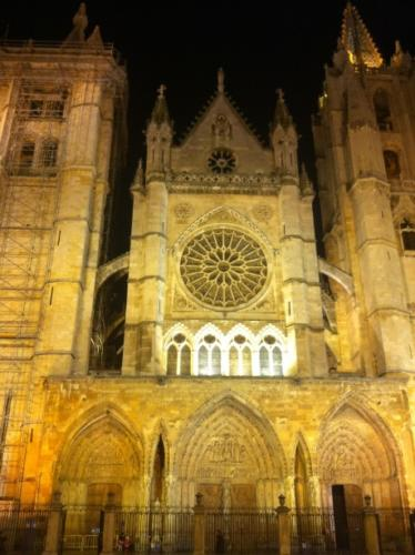 Cathedral of Leon at night